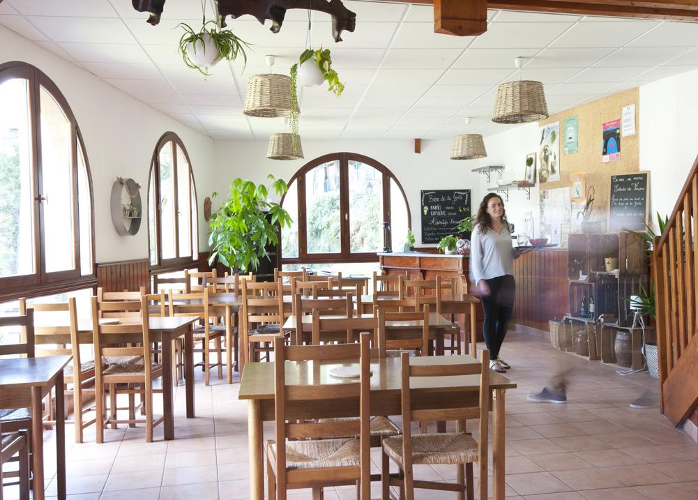 Gite Évolutions salle de restaurant vue magnifique